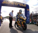 11 MOTO IN 1 SECONDO! STREPITOSA SUPERPOLE DELLO SPECIALISTA CORSER